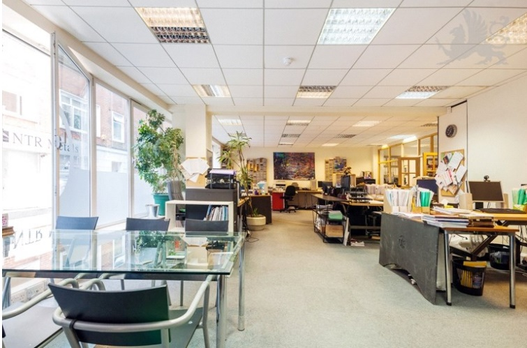 Office Space In Farringdon Saffron Hill: 200 sqft office interior